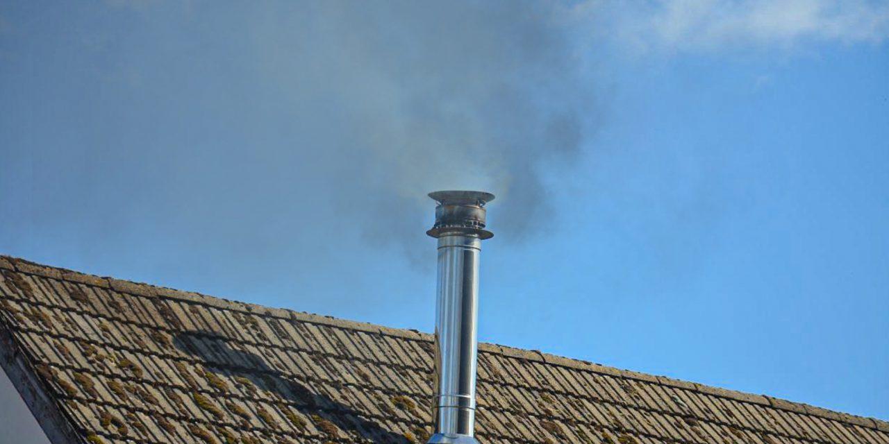Te hard rokende schoorsteen in Stadskanaal